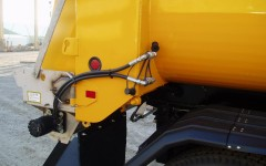 Hydraulic Connections to Spreader by .