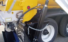 Side Plow Cylinder Retaining Chain by .